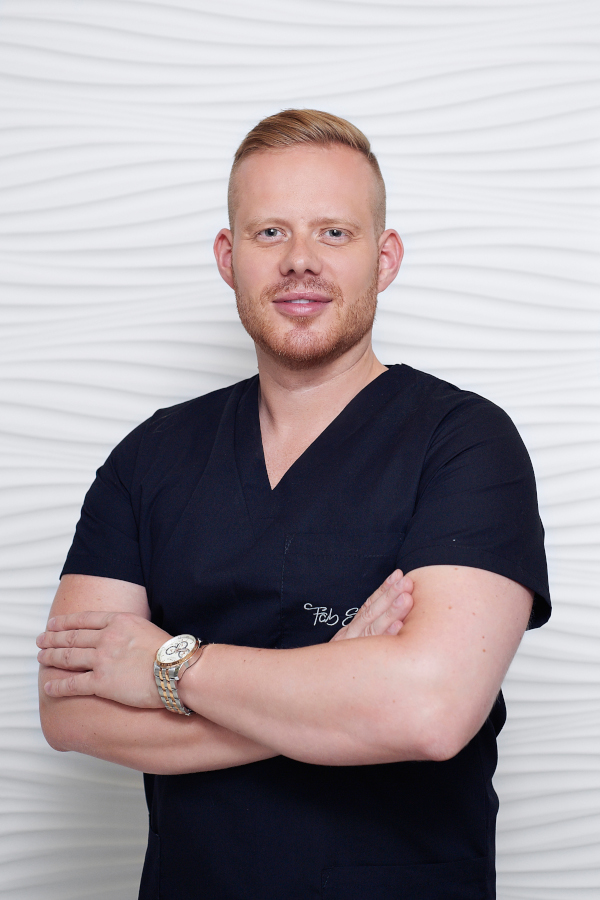 Doktor Radosław Rzepnikowski FabSkin Medycyna Estetyczna Warszawa